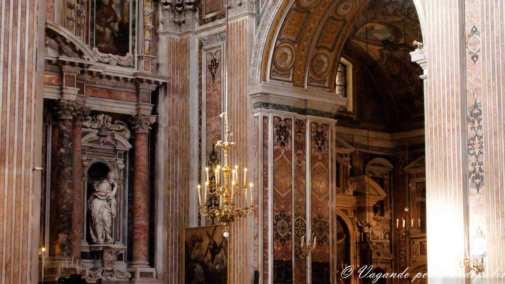 turismo-en-napoles-que-ver-iglesia-gesu-novo