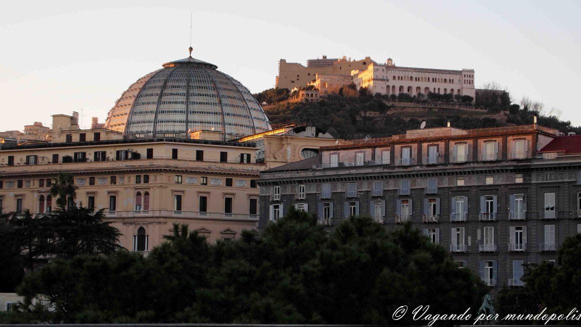 turismo-en-napoles-que-ver-castillo-san-elmo