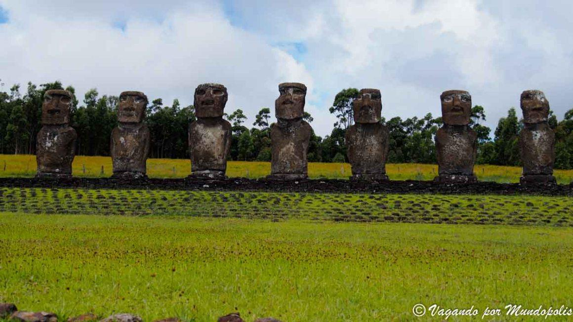 Ahu Akivi-Isla de Pascua