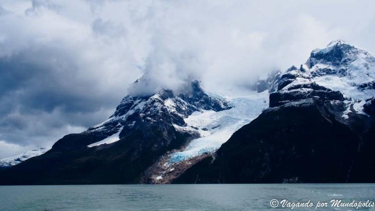 Excursión a Los Glaciares Balmaceda y Serrano