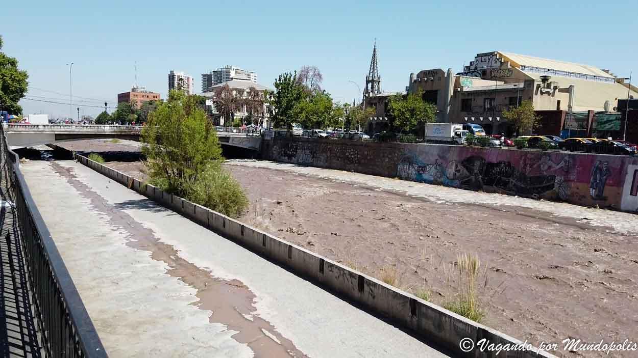 rio-mapocho-santiago-de-chile