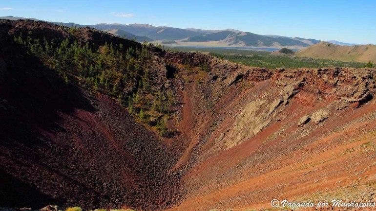 que ver en mongolia volcan khorgo