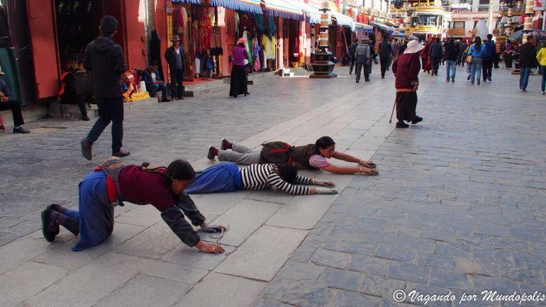 kora-calle-barkhor-lhasa