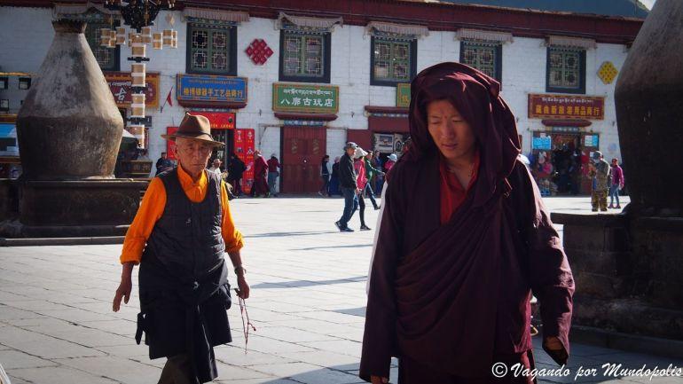 kora-barkhor-lhasa