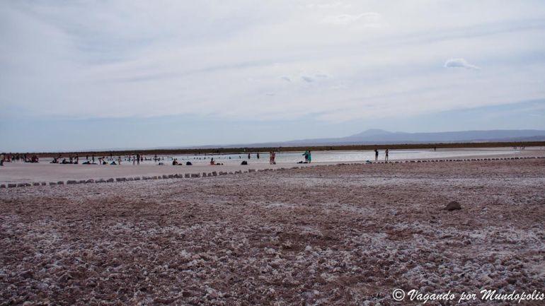 excursiones-san-pedro-atacama-laguna-piedra