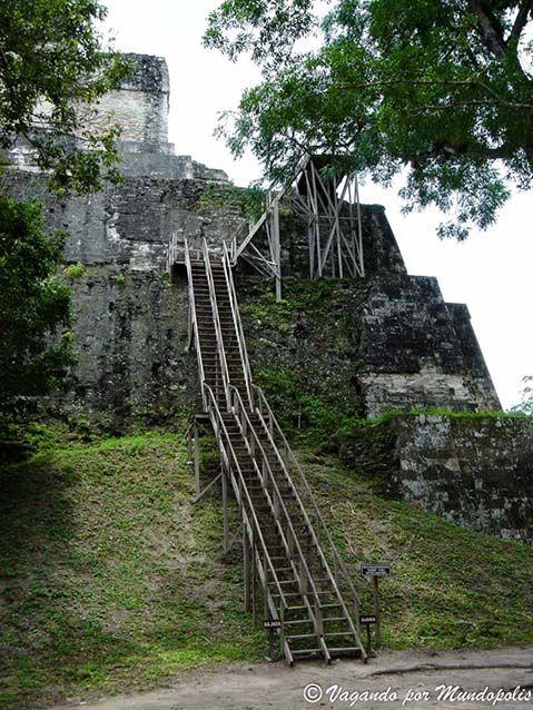 subir-piramides-tikal