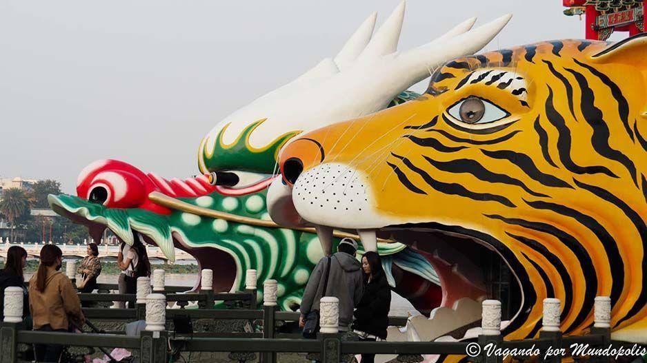 pagoda-dragon-tigre-que-ver-en-kaohsiung