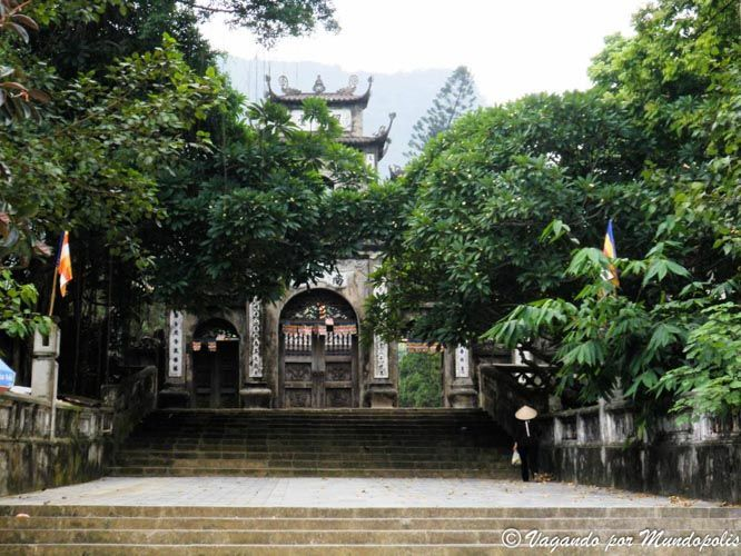 pagoda-perfume-vietnam