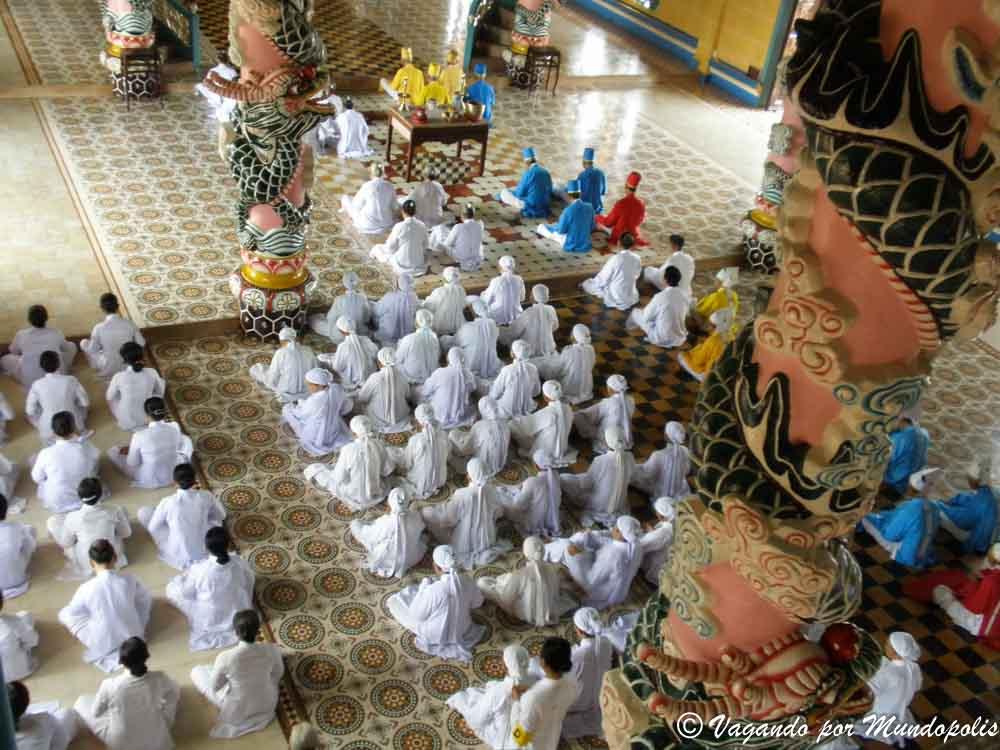 templo-cao-dai-vietnam