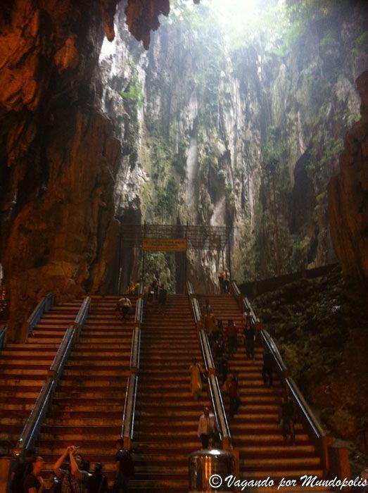 dark-cave-cuesvas-batu