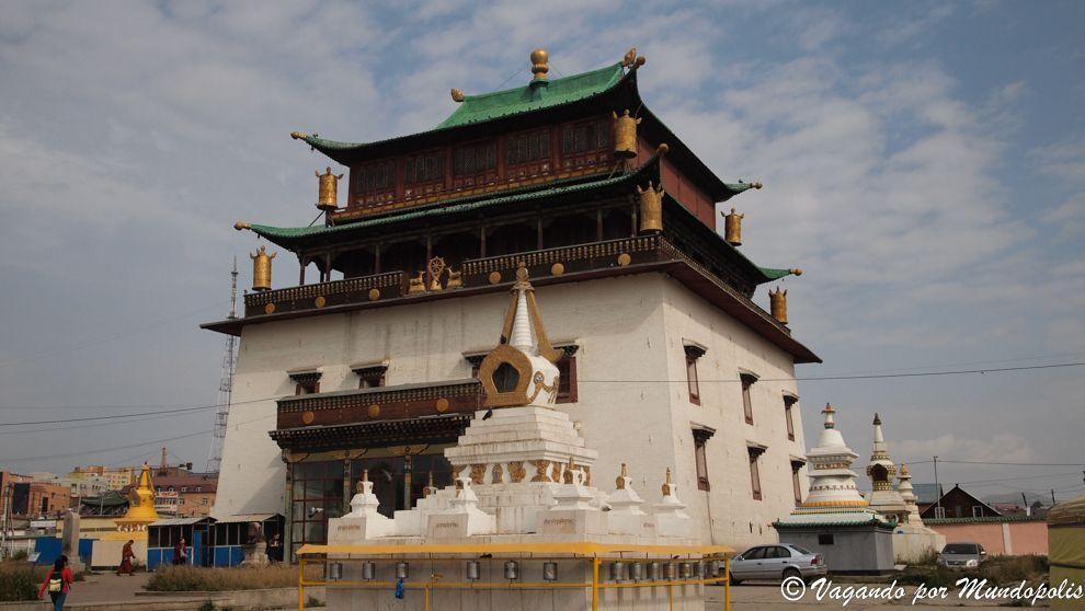 gandan-monastery-ulan-bator