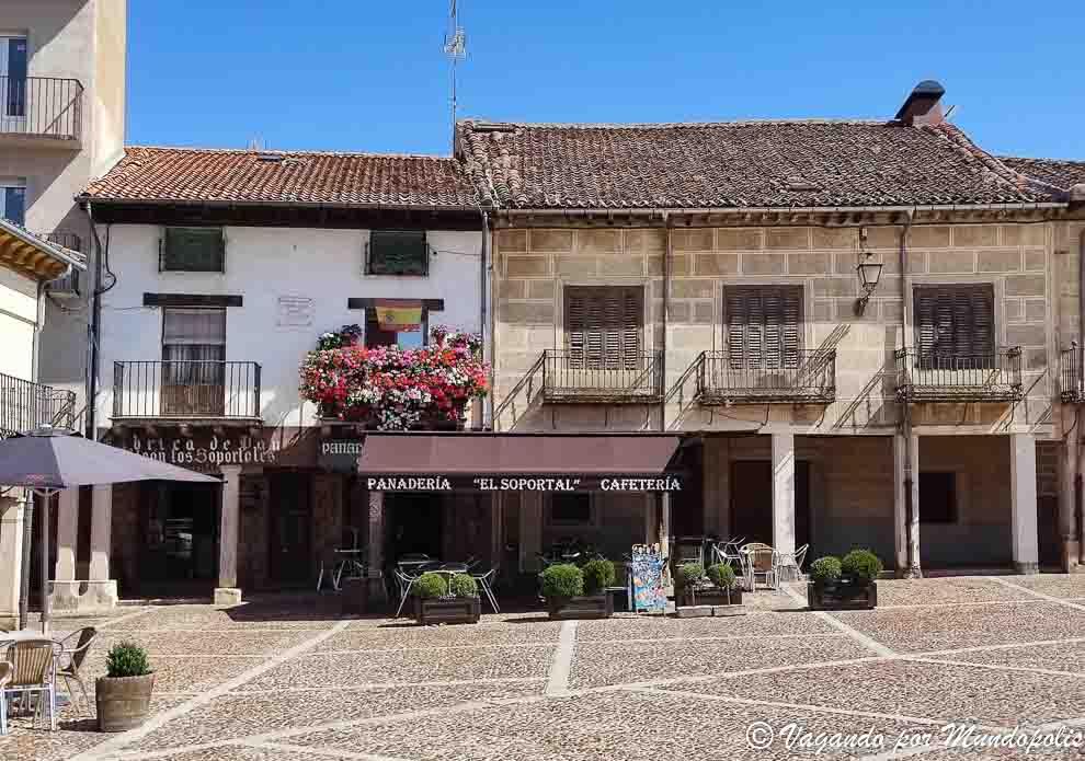 plaza-mayor-riaza-segovia