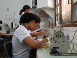 Vagas de emprego para costureira – Trabalho 01
