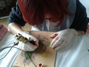 curso-piercing-e-tatuagem-online-onde-fazer