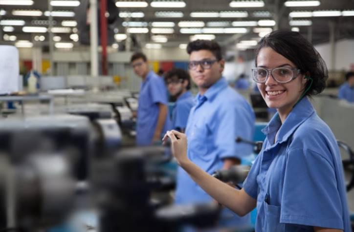 03 vagas para Auxiliar de Produção em Recife - Vaga expira em 10 dias