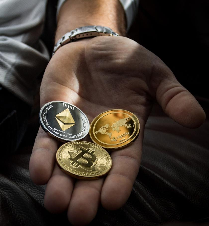Cryptocurrency coins to buy art NFTs
