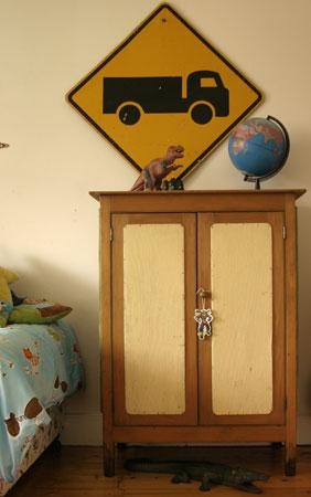 peachie-cabinet