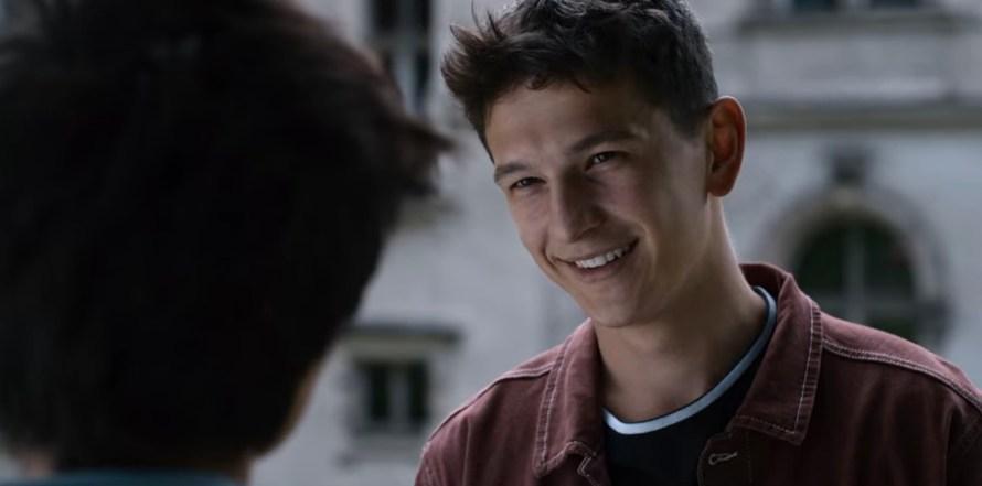 Open Your Eyes Cast on Netflix - Ignacy Liss as Adam