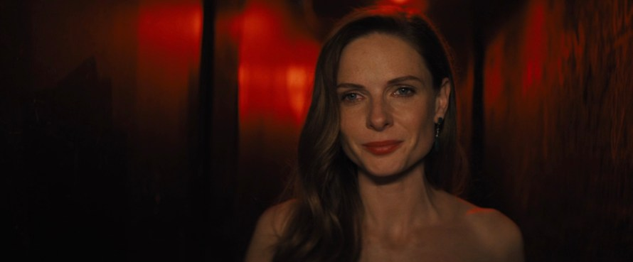 Reminiscence Cast - Rebecca Ferguson as Mae