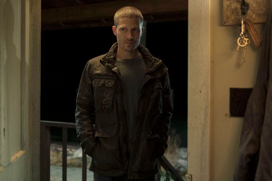 Midnight Mass Cast on Netflix - Zach Gilford as Riley Flynn
