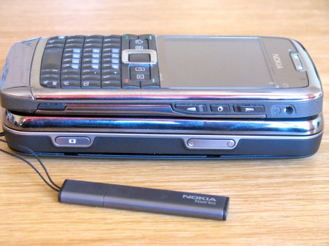 Nokia N97 v/s Nokia E71 Photo Gallery