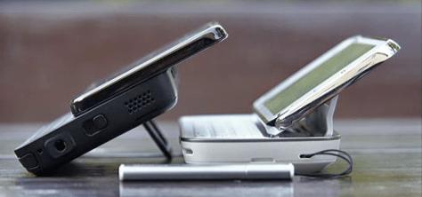 Two Comprehensive N900/Maemo5 Reviews