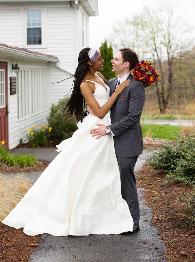 red-barn-hampshire-college-wedding-12