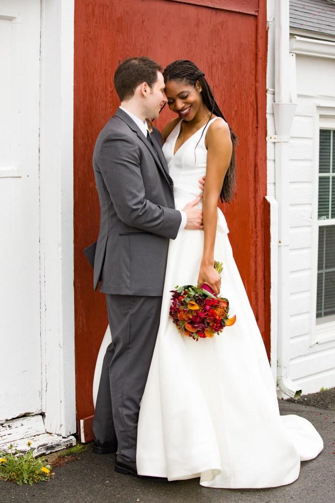 red-barn-hampshire-college-wedding-13