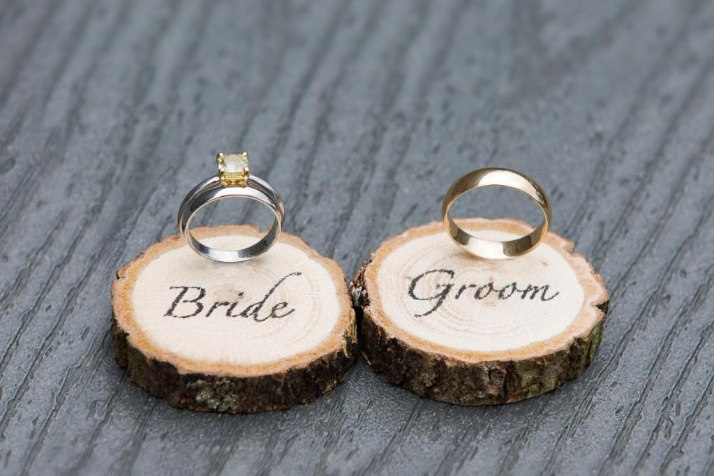 red-barn-hampshire-college-wedding-27