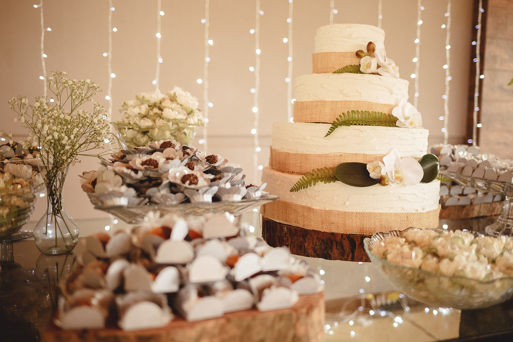 Bolo Fake de Casamento DIY com Isopor para Economizar no Casamento