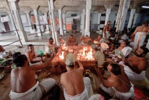 121-Hindu-priests-perform-14000-recitations-Sri-Rudram-11-days_730948