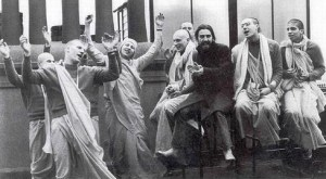 George_Devotees_Chanting_in_Esctacy