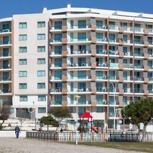 Monte Gordo Plaza