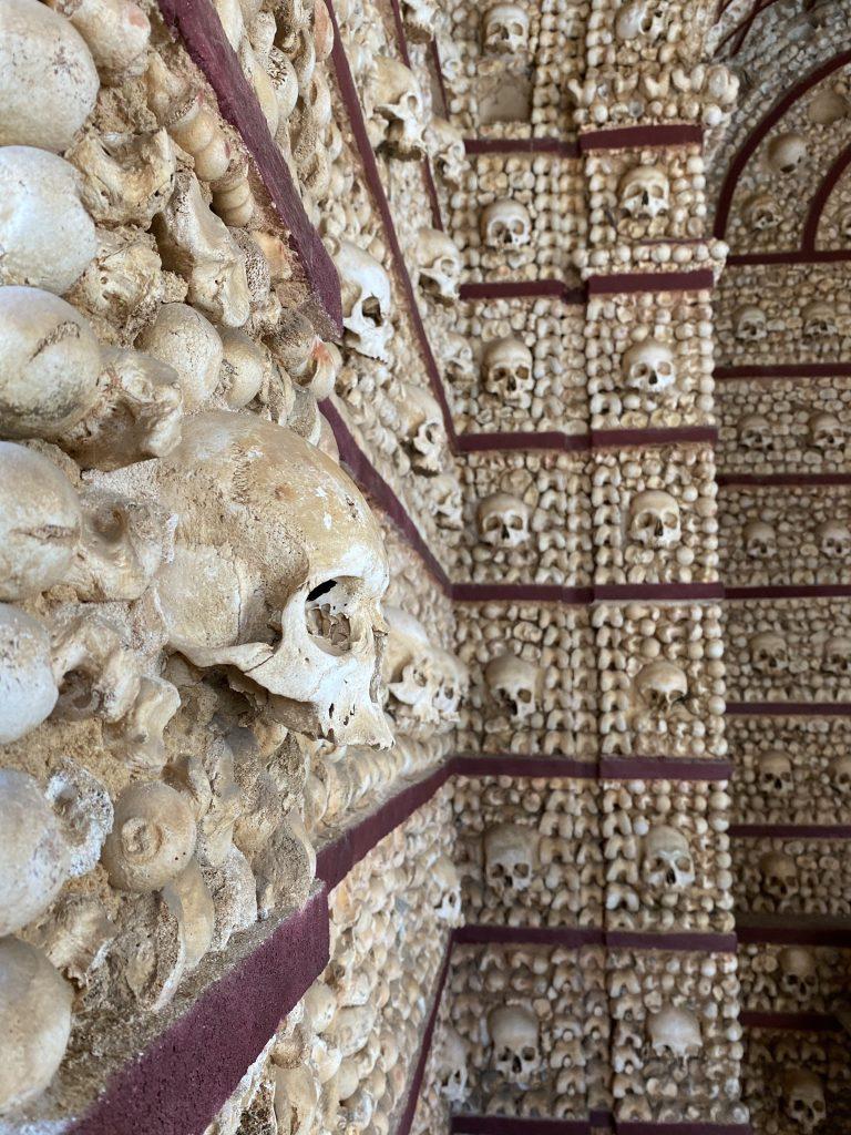 Cultuur | Capela dos Ossos in Faro
