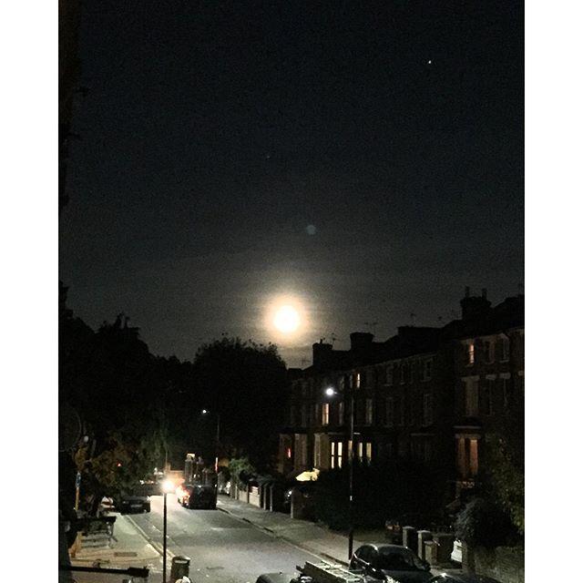 The big moon of Ealing