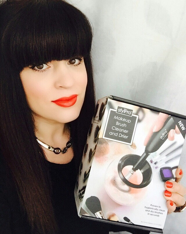 stylprobrushcleaner&drier, stylpro, brush, cleaner, &, Drier, beauty, blogger, product, review, makeup, mua, makeupartist