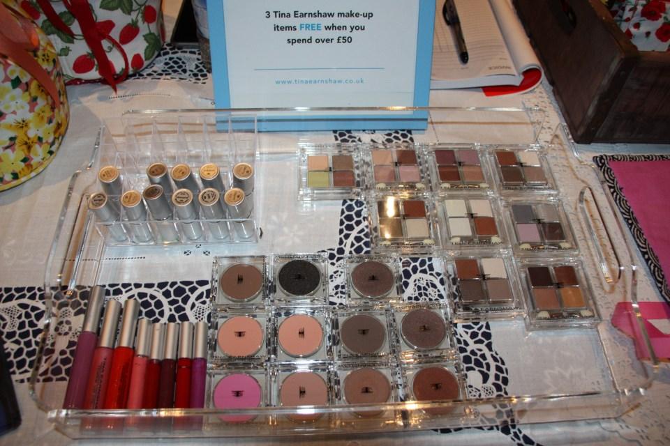 Makeup, Makeupartist, Eyeshadow, Lipstick, Tina Earnshaw, Bobbi bicker, london, masterclass, pinewood studios, creativemediaskills, bobbibicker, valbonabickerart, makeupbrushes, makeupartist, brushes, mua, UMAExpo