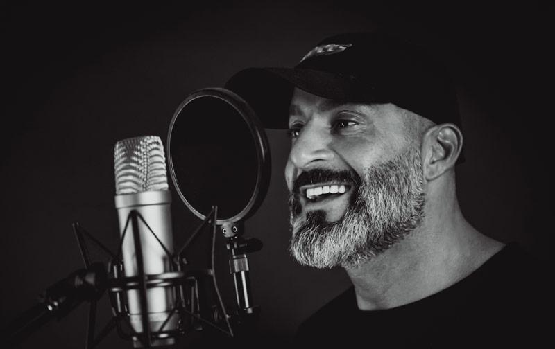 igor beuker headshot mic