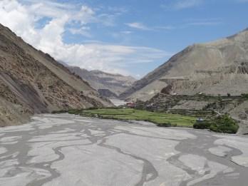 Die stark verzweigte Kali Gandaki -Flussebene auf ca. 3000 m.ue.M. (Blick Richtung Kagbeni)