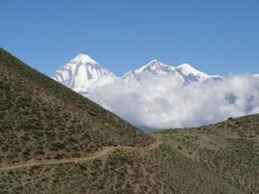 Blick von oberhalb Muktinath in Richtung Daulaghiri (8167m)