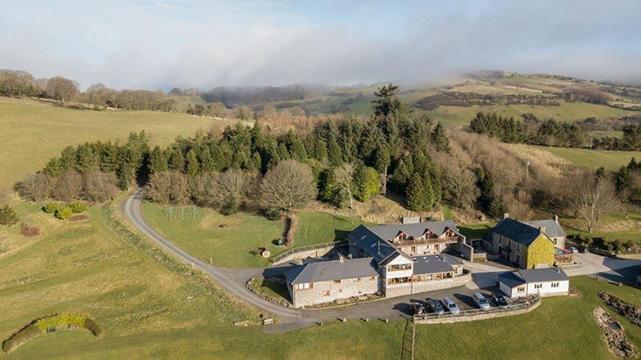 Vale Farm Cottages 293