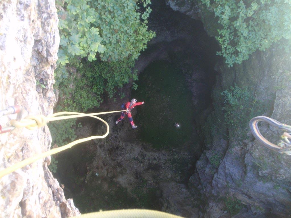 Avec Ample. Fuente: espeleozaragoza.com, en su visita a la cueva.