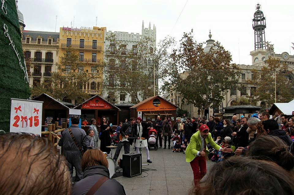 Teatro, foodtrucks, talleres, conciertos y circo el domingo en la plaza del Ayuntamiento