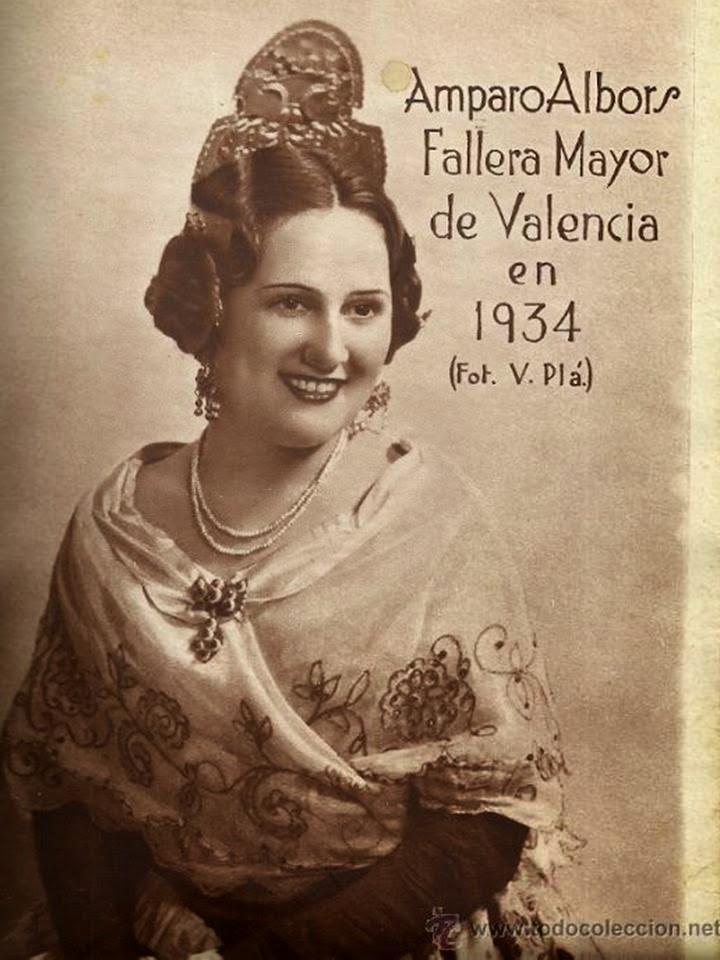 AMPARITO ALBORS SERRANO, FALLERA MAYOR DE VALENCIA DE 1934. Fuente: eoselblog.blogspot.com