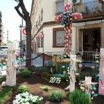 48 cruces de mayo elaboradas con flores adornarán las calles de Valencia a partir de mañana