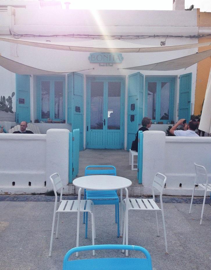 Fotografía de la terraza que aparece en la web merxenavarro.com (recuerda indicar la autoría si compartes esta foto, pues se encuentra bajo licencia Creative Commons Reconocimiento 4.0 Internacional).