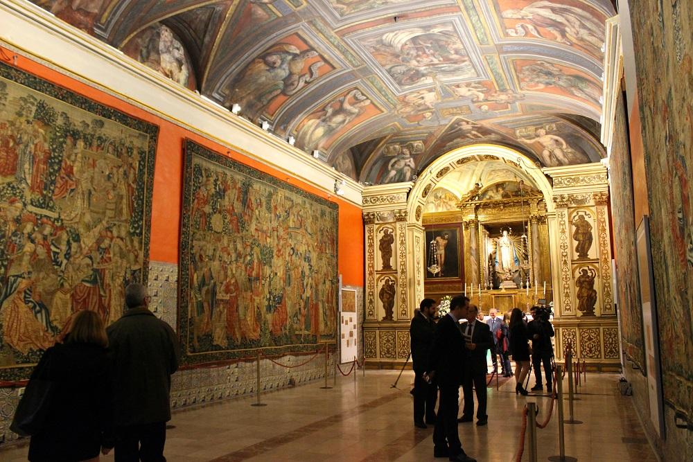 Capilla de los Tapices ya con 4 de los 6 tapices. Fotografía del 1 de diciembre de 2016 de valenciabonita.es