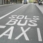 La prohibición de aparcar en el carril bus de Valencia capital en horario nocturno se aplaza