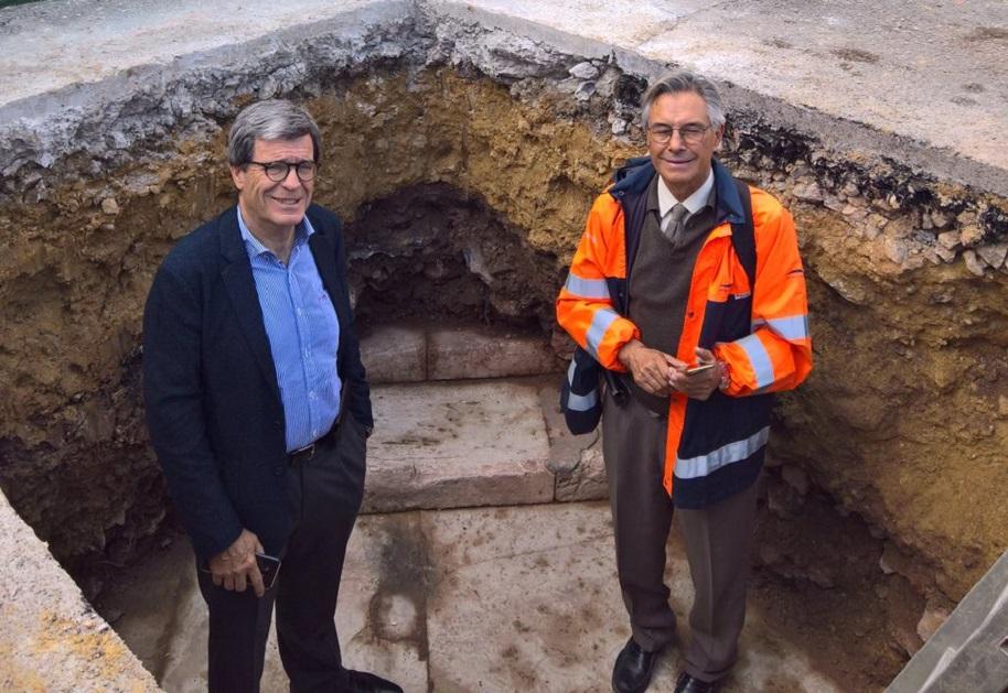 La histórica Escalera Real del Puerto de Valencia sale a la luz