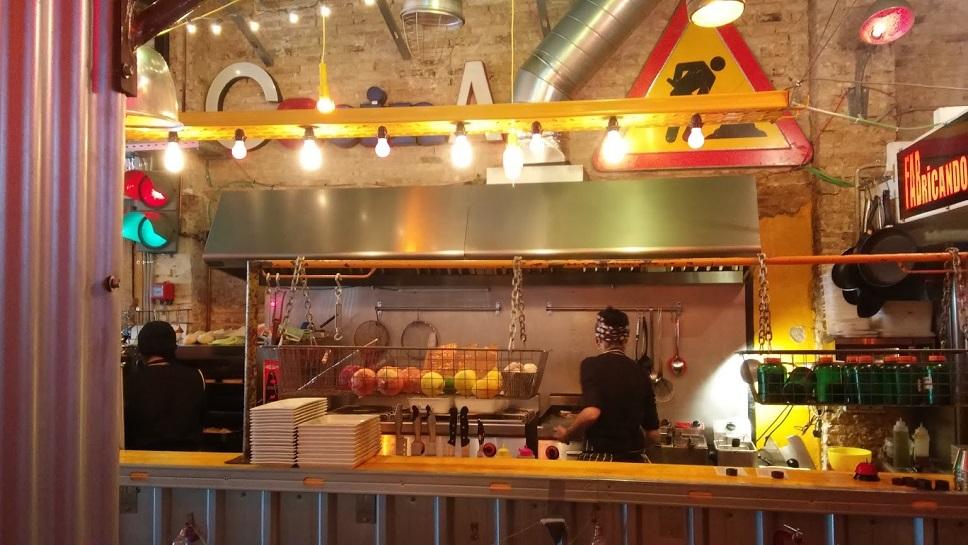 La fabrica un restaurante con decoraci n industrial en - Decoracion en valencia ...